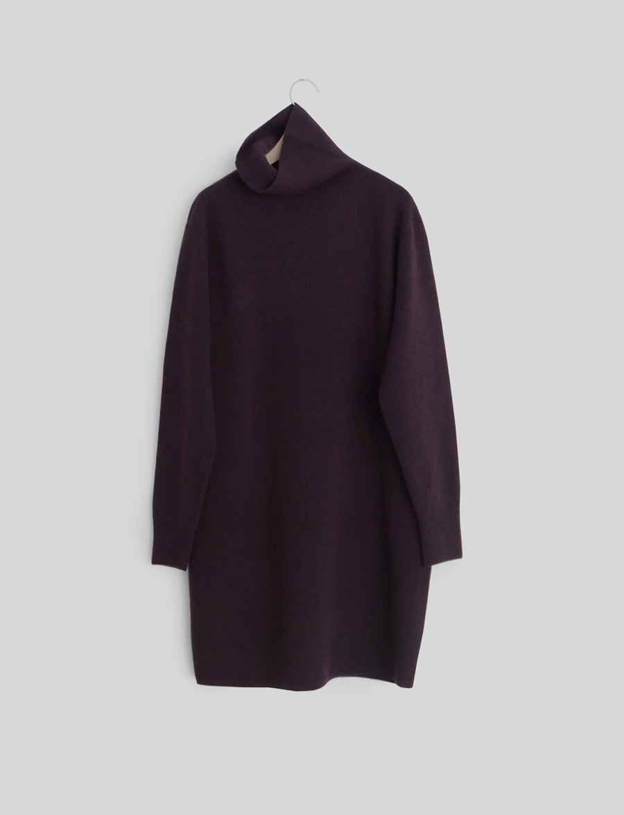 TURTLE-NECK KNIT ONE PIECE (half)