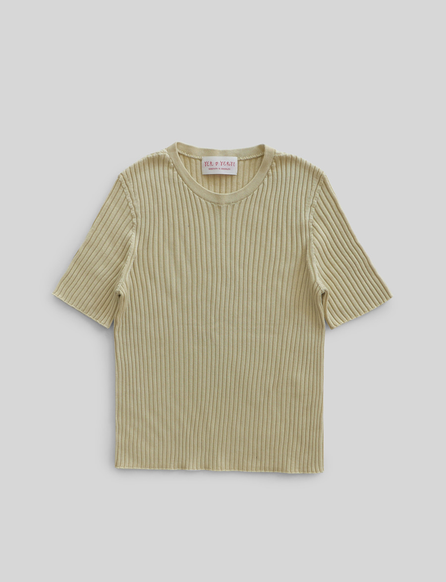 Esential Sleeve Knit